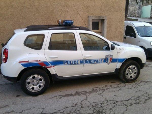 Dacia Duster de la Police Municipale