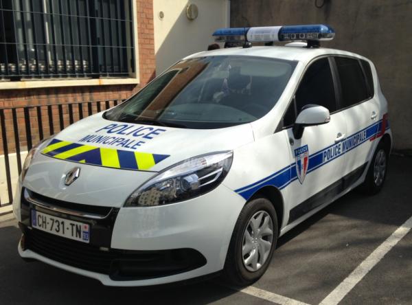 Renault Megane Scenic de la Police Municipale