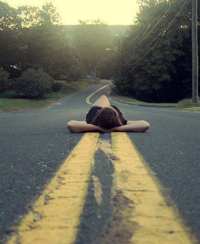 Quand on déprime, on écoute des chansons tristes pour déprimer encore plus, c'est comme une auto-torture.