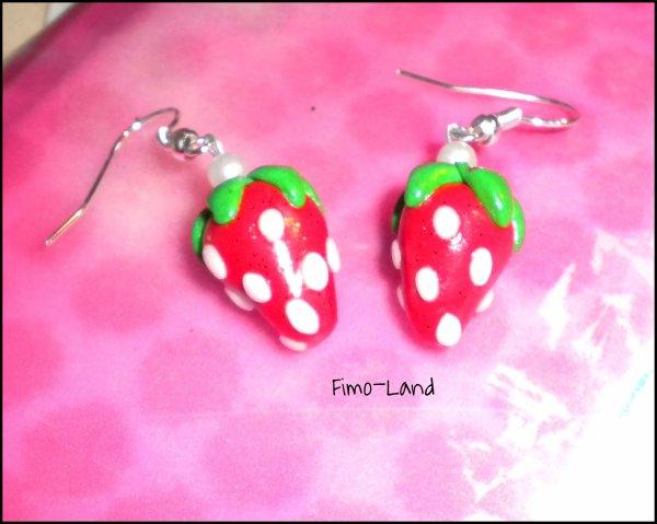 Boucles d'oreilles Fraise ✔