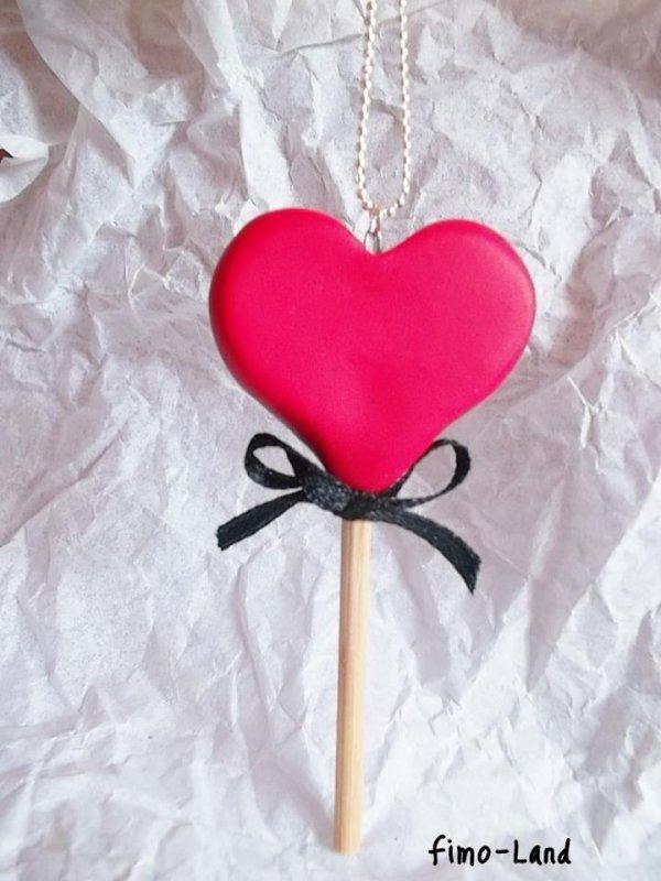 Collier sucette en coeur.  ✔