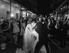 Candice Accola dévoile des photos somptueuses de son mariage !
