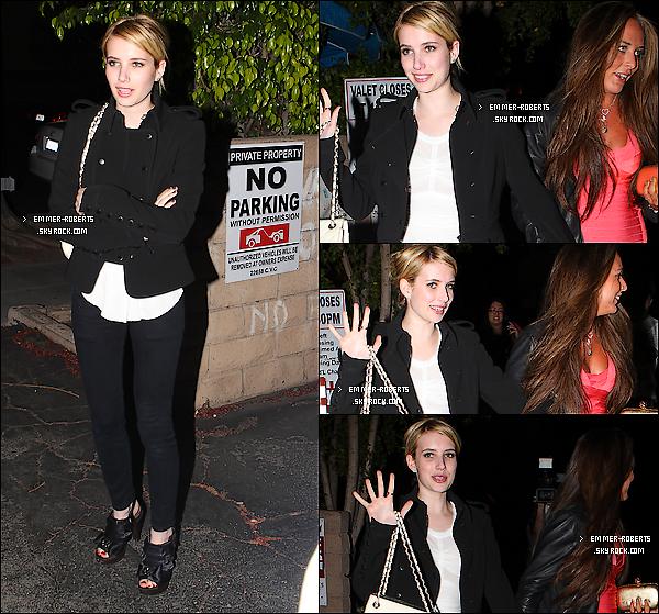 """11/05/11 : Emma a été repéré sortant d'un restaurant japonais du nom de """" Matshuita """", à Los Angeles;   11/05/11 : Elle a également été aperçue sortant de """" Coffee Bean and Tea Leaf  """" avec une de ses amis;   & 12/05/11 : La belle a été repéré se rendant au centre commercial du nom de """"Joan's"""",  à Los Angeles."""