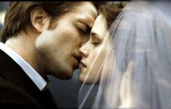 Bella & Edward au plus beau jour de leurs vie .