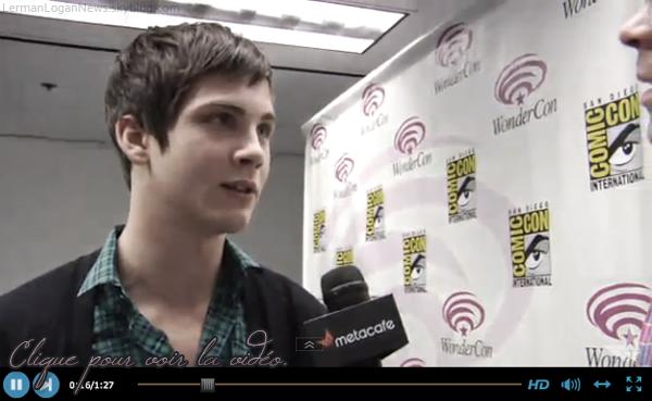 Logan a été au Wondercon 2011 hier soir, le 2 avril à San Francisco, où il a parlé de son nouveau film Les Trois Mousquetaire 3D. J'adore sa chemise, ça lui va super bien! Simple, mais beau! Vos avis?