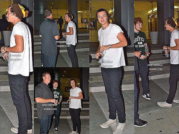 01/10/12 - Harry et son bonnet bizarre à dîner au restaurant «Boa» avec son cher ami Ed Sheeran !