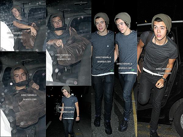 01/09/12 -Harry a été aperçu hier soir à Londres pour aller voir son fidèle ami Nick Grimshaw !