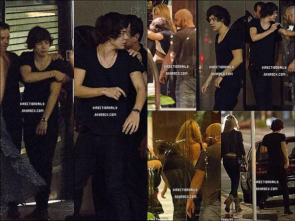 22 Avril 2012 - Harry, Emma et quelques amis ont été vus la nuit dernière nuit à Auckland !