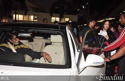 AISHWARYA RAI BACHCHAN ET SA FILLE AARADHYA REPÉRÉES A L'AÉROPORT DE MUMBAI
