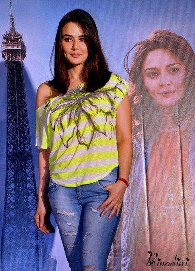 PREITY  ZINTA  A  PARIS  POUR  LE  FILM  'ISHKQ  LE 02/05/2013