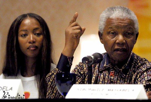 NAOMI  CAMPBELL  ET  MR  NELSON  MANDELA