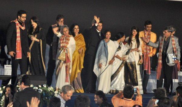 TOUTE LA FAMILLE BACHCHAN ET D' AUTRES STARS POUR LE 20E FESTIVAL INTERNATIONAL DU FILM A KOKATA