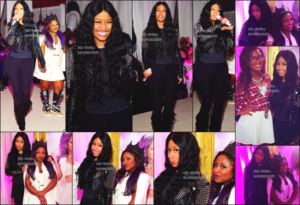 -------  01/12/14: La jolie Nicki Minaj photographiée en show pour l'anniversaire de « Reginae Carter » - à Los Angeles. Mlle Nicki Minaj a donné un show pour l'anniversaire des 16 ans la fille de Lil Wayne. Petit top pour cette tenue toute simple et sombre. -------