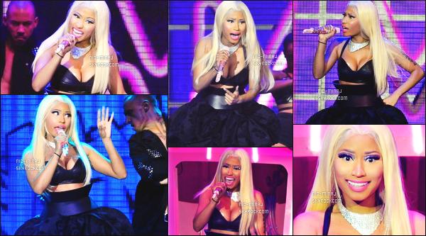 ------- 30/10/12: La belle Nicki Minaj  photographiée  pendant sa grande tournée « Roman Reloaded Tour » -    à  Londres.  Photos HD/Telephones portables. Nicki est tellement belle et au top à travers toutes ses perruques et tenues. Vraiment sublime, donc top.  -------