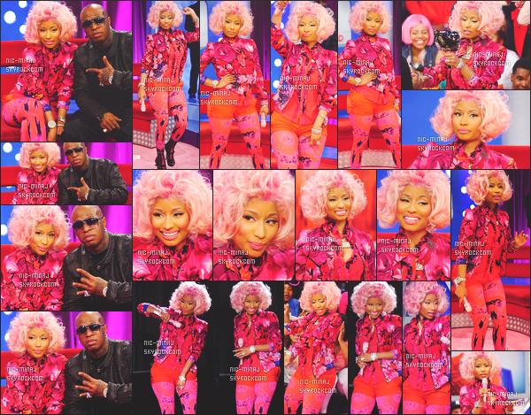 ------- 02/04/12:   Notre princesse Nicki Minaj photographiée en plein promo à l'émission « 106 & Park » -   Los Angeles. Gros top, j'adore sa tenue rose, elle est vraiment superbe, j'adore   son petit short avec se petit leggins rosé. Top/Flop pour cette tenue? -------
