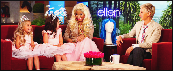 ------- 09/05/12 : Notre sublime Nicki Minaj photographiée sur le plateau de l'émission « Ellen Show » - à Los Angeles.  J'adore trop  cette tenue, on dirait une petite princesse avec cette longue jupe rose . J'adore  trop ses colliers. Tu pense quoi de la tenue ? -------