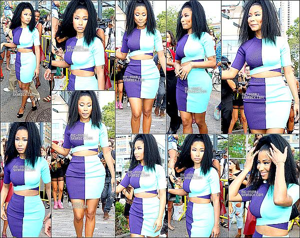 ------- 06/09/14 : Mlle Nicki Minaj  photographiée arrivant à la Fashion Week de «  Alexander Wang  ». - à New York.   Gros top pour cette tenue elle est vraiment sublime et merveilleuse dans cette tenue bleue. Top notre Nicki Minaj.  ●● Aimes-tu la tenue?!. -------