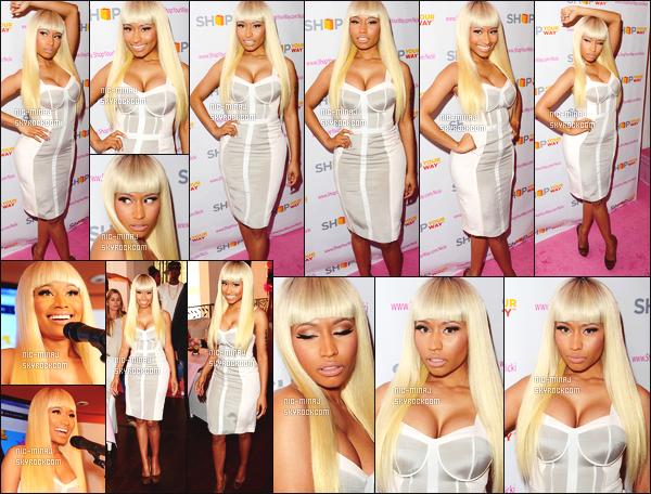 ------- 01/03/13  : Miss Nicki  photographiée au  lancement de «  The Nicki Minaj Collection » à Kmart. - à Los Angeles.  Princesse Nicki Minaj porte une robe blanche moulante Clara et une paire de talon léopard Christian Louboutin. ●● Aimes-tu la tenue?!. -------