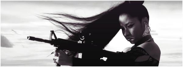 -------    • Découvrez  le nouveau clip simple  de  Nicki « Lookin Ass Ni**a »  -   Février 2014.     Extrait de l'album de Rise Of An Empire. La chanson je suis totalement fan, et j'adore tellement ce clip même si il est  simple, j'adore.  -------