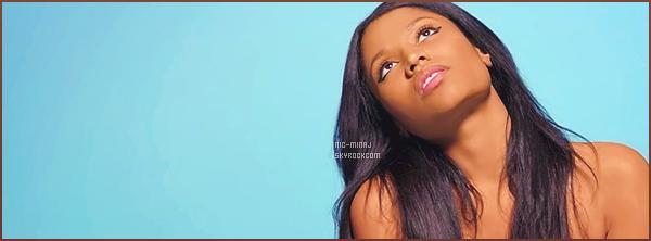 -------   Découvrez le clip simple, mignon  de Nicki Minaj « Pills N Potions »  - Juin 2014.     ~ Extrait de l'album de Nicki Minaj. Clip produit par  Mr Luke à Los Angeles.Le clip dans est top, où on peut y voir Nicki très  naturelle.  -------