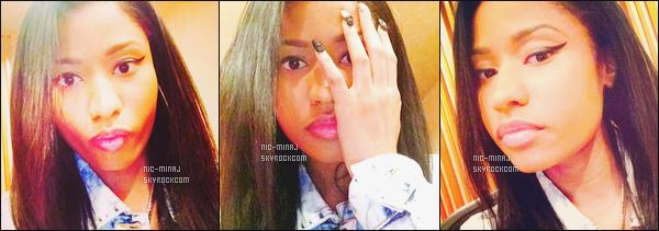 '''''''''''''''''' ---------------------------- DES PHOTOS  DE NICKI SUR LES RÉSEAUX SOCIAUX - MAI 2014. Photos de mlle Nicki toujours chez elle. Se sont des photos simple en mode selfie. Je suis fan de cette petite bouille jolie. Elle est au top.  '''''''''''''''''''''