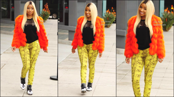 ------- 07/02/15:  La miss Nicki Minaj photographiée pour assistée au brunch « Roc Nation Grammy » - à Beverly Hills. Perruque blonde est de retour, j'adore beaucoup son look surtout sa veste original cela me fait pensé à ses looks de 2012, j'adore trop. -------