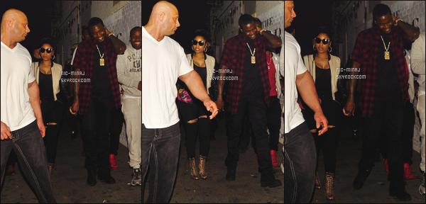 ------- 24/04/15:   La sublime Nicki Minaj photographiée quittant une soirée avec son copain Meek Mill - à Los Angeles. Tenue toute  simple pour la miss Nicki, pantalon noire. Petite veste, et niveau coiffure, un chignon négligée. J'aime beaucoup cette veste.  -------