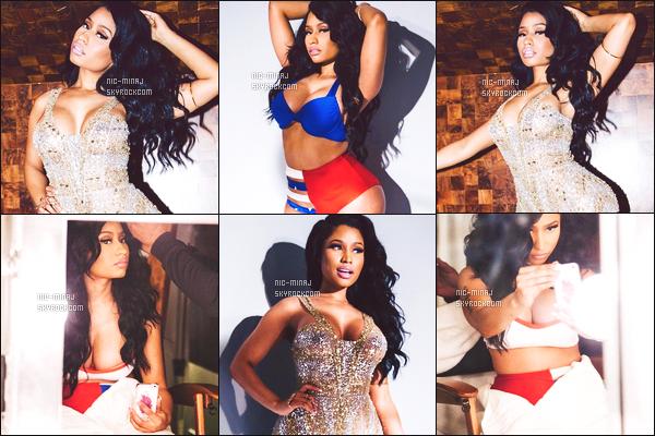 ------- ●  DÉCOUVREZ LES PHOTOS LORS  DU TOURNAGE DU SHOOTING COSMOPOLITAIN.  Nicki Minaj est tellement sur chaque photos. J'adore beaucoup les photos où elle est en maillot de bain. Tellement belle et classe.  -------