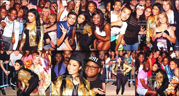 '''''''''''''''''''''' ---------------- DES PHOTOS  DE NICKI SUR LES RÉSEAUX SOCIAUX - JUILLET 2015.  Photos de Nicki Minaj lors de sa tournée US avec ses fans. J'adore beaucoup toute les photos, elle est tellement adorable, & super belle.  ''''''''''''''''''''''