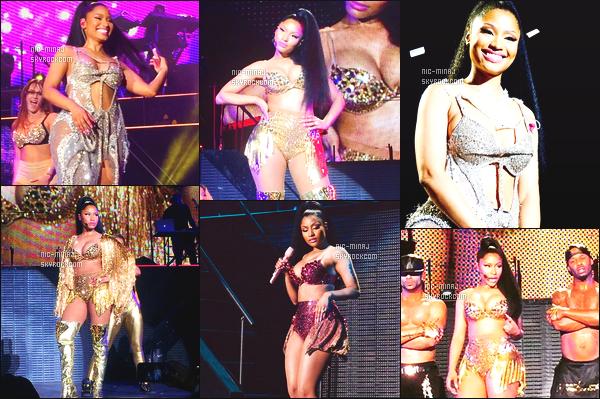 ------- 03/08/15:    La princesse Nicki Minaj photographiée pendant sa tournée au US « The Pink Print Tour » - à Altanta. Nicki Minaj est vraiment sublime dans ses tenues classe et sexy, je suis vraiment fan de ses tenues et de ses cheveux toujours naturelle.   -------