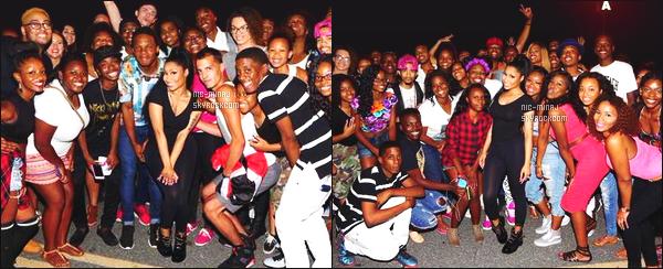 -------  Aout 2015:   Jolie  Nicki Minaj photographiée aprés un concert avec plein de fans trés chanceux -  Nord Caroline. Désolé de la qualité des photos. Nicki a un photographe de merde. J'adore cette tenue sombre. Je suis trop   fan. ●  Aimes-tu cette tenue?  -------