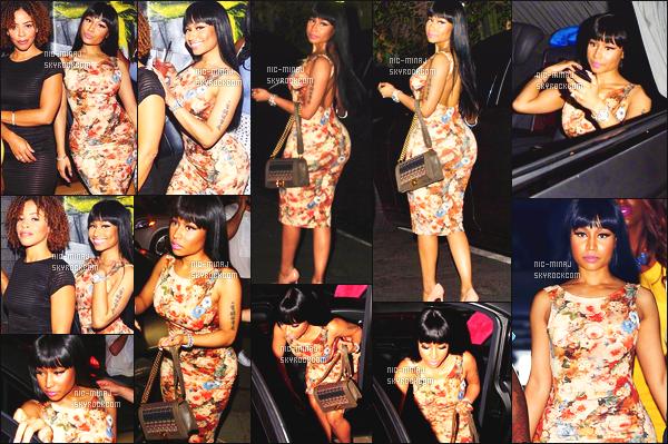 ------- 31/08/15:  Mlle Nicki Minaj photographiée arrivant à la grande boite de nuit « 1Oak NightClub » - à Los Angeles. Petit top pour la robe. Nicki a fait mieux, je trouve que sur se candid, elle ressemble vraiment à sa mere, c'est fou. ●● Aimes-tu la tenue ?   -------