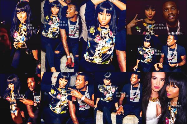 ------- 03/09/15: Sublime Nicki Minaj photographiée accompagnant Meek Mill dans la boite de nuit « Dulge » à Dubai. J'aime trop trop cette tenue. Elle est belle dedans, je suis vraiment fan de son haut large. Gros top pour Onika. ●● Aimes-tu cette tenue?   -------