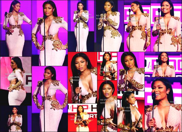------- 22/11/15: Notre rappeuse Nicki Minaj photographié à la cérémonie « American Music Awards »  - à Los Angeles. J'adore trop cette tenue trés moulante et assé ouverte, cette robe est merveilleuse, j'adore trop ses longs cheveux brun. Top pour elle.     -------