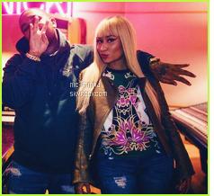 -------   Voici  la chanson « Dont' Hurt » Dj Mustard ft Jeremih & Nicki Minaj  -  Juin 2016.     Normalement il y aura un clip pour se titre. Nicki a fait mieux, mais bon cela reste quand même correcte, j'aime beaucoup Jeremih aussi.  -------