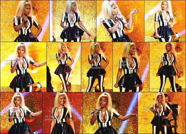 ------- 27/08/17:   Sublime  Nicki photographiée lors de la grande cérémonie « MTV Video Music Awards » -  Los Angeles.  J'adore  la tenue rose c'est tres original en cuire hyper moulante. J'adore trop aussi la tenue sur scene avec Katy.  Top/Flop pour la tenue?  -------