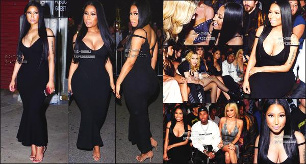 ------- 10/09/15 :  Nicki Minaj  photographiée à la Fashion Week de «  Alexander Wang  » dans la soirée. - à New York.   J'aime cette tenue. Elle a la classe Nicki juste dommage que la robe soit si longue et si moulante. Mais j'aime trop  ses cheveux brun lisse. -------