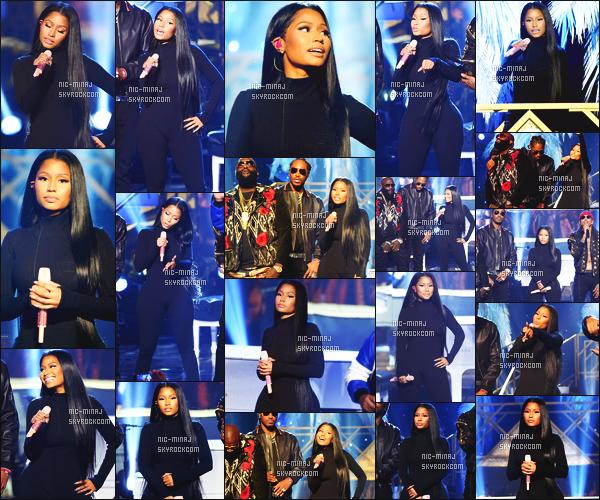------- 20/11/16:  Mlle Nicki photographiée en show pour la cérémonie des   « American Music Awards » -    Los Angeles.  Nicki a fait une performance sur Side To Side puis aussi pour Do You Mind. Je suis tellement fan de ses tenues surtout celle toute en noire. -------