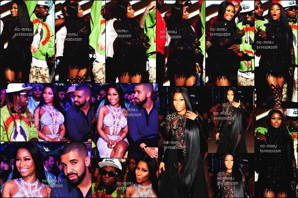 ------- 21/05/17:  La princesse Nicki Minaj photographiée à l'événement de    « Billboard Music Awards »  - à Las Vegas. Je n'aime pas trop ses tenues de scenes. Surtout quand elle a son masque au debut. Je suis tres   fan de la robe blanche maillet. Gros top. -------