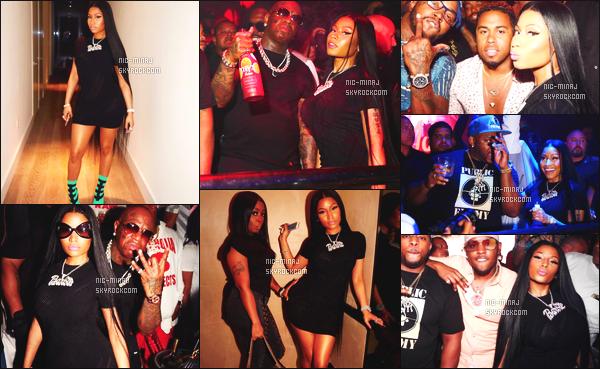 -------  29/05/17 : La belle  Nicki Minaj photographiée  s'amusant dans la boite de nuit  « LIV » dans la soirée -   à Miami.   + Des photos persos sur son compte Instagram. Je lui accorde un gros top pour cette tenue même si c'est assez simple cette robe noire. -------
