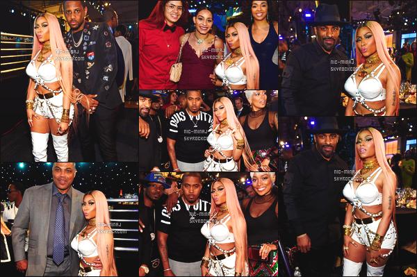 ------- 26/06/17:  Notre princesse Nicki Minaj photographiée lors d'une performance à    « NBA Awards  »  - à  New York. Nicki Minaj est tellement sublime, j'adore beaucoup cette tenue toute blanche. Gros top pour cette perruque rose et longue, j'adore trop. -------