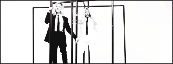 -------  Voici le clip de Nicki Minaj pour « You Already Know » avec Fergie - Septembre 2017. J'aime tellement ce clip surtout en noir et blanc ca rend tellement bien. Nicki est vraiment magnifique avec cette perruque blonde longue.  -------