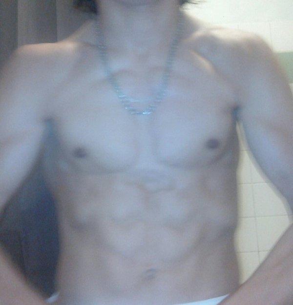 Moii après la douche avant la séance de muscul :)