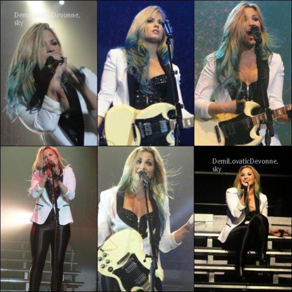 20/07/12 : BACKSTAGE+SHOW A LOS ANGELES Demi a fait un show en direct avec ces nouvelle méches vous aimez ?