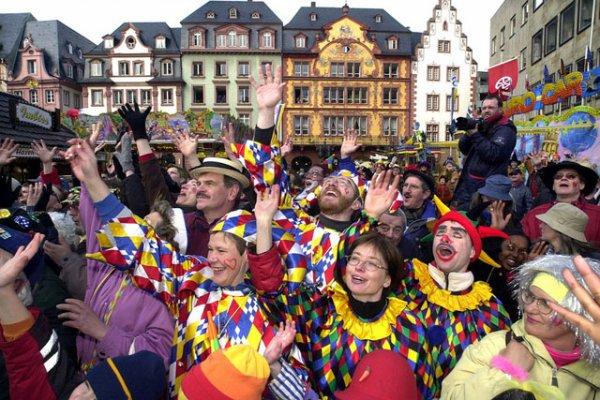 Des Carnavals (10279)