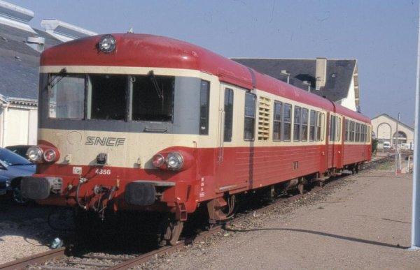 Des Trains Touristiques   (7922)