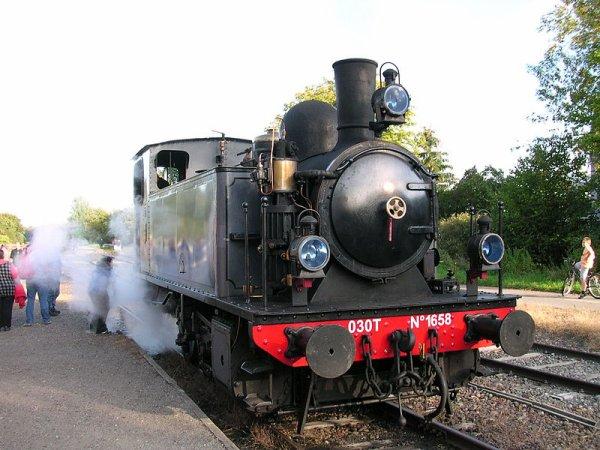 Des Trains Touristiques   (9937)
