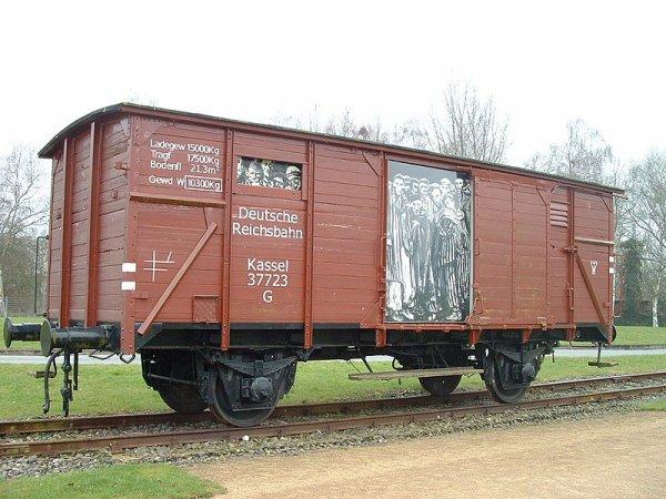 Les Camps de Concentration (12136)