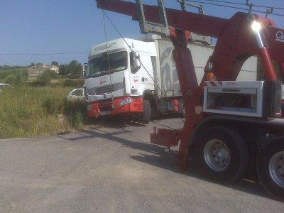 D fits relev s camion au foss pezenas depannage for Garage delvaux pezenas