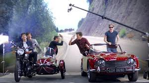 clip kiss you!!